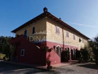 Finalteil eines Bauernhauses mit B&B in der Nähe von Montopoli, Pisa