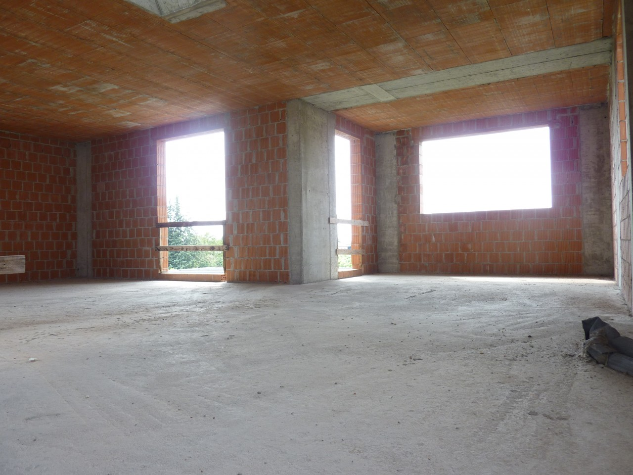 casa singola al grezzo - 4 camere 3 bagni - FALZE' DI TREVIGNANO (TV)