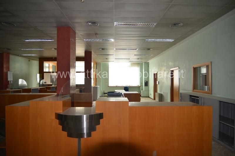 Ufficio in Affitto a Este
