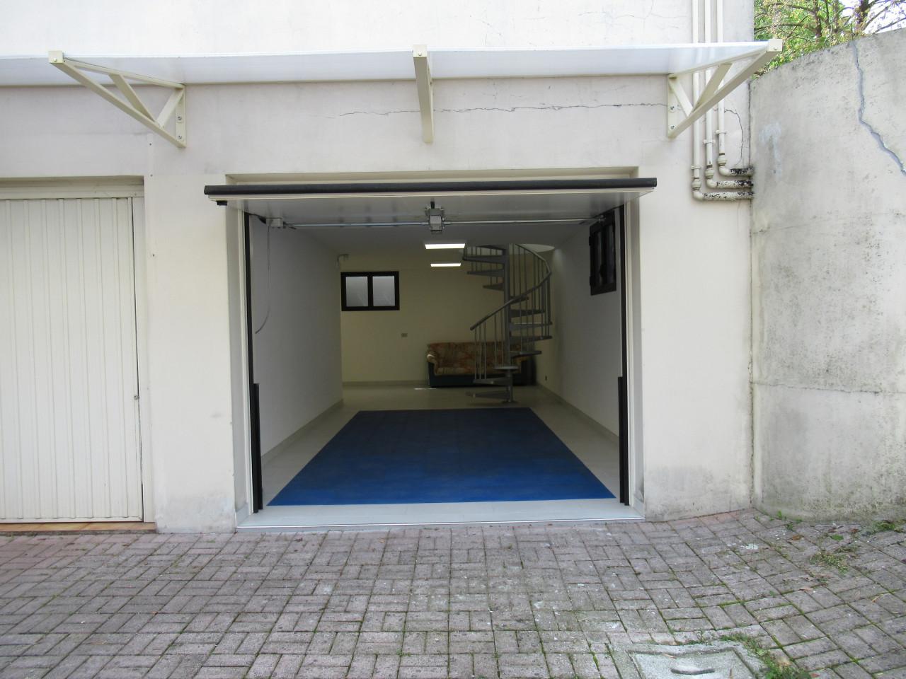 Negozio 100mq ristrutturato - due livelli - SPRESIANO (TV)