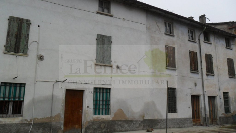 Rustico / Casale in vendita a Medole, 3 locali, zona Località: Medole, prezzo € 120.000   CambioCasa.it