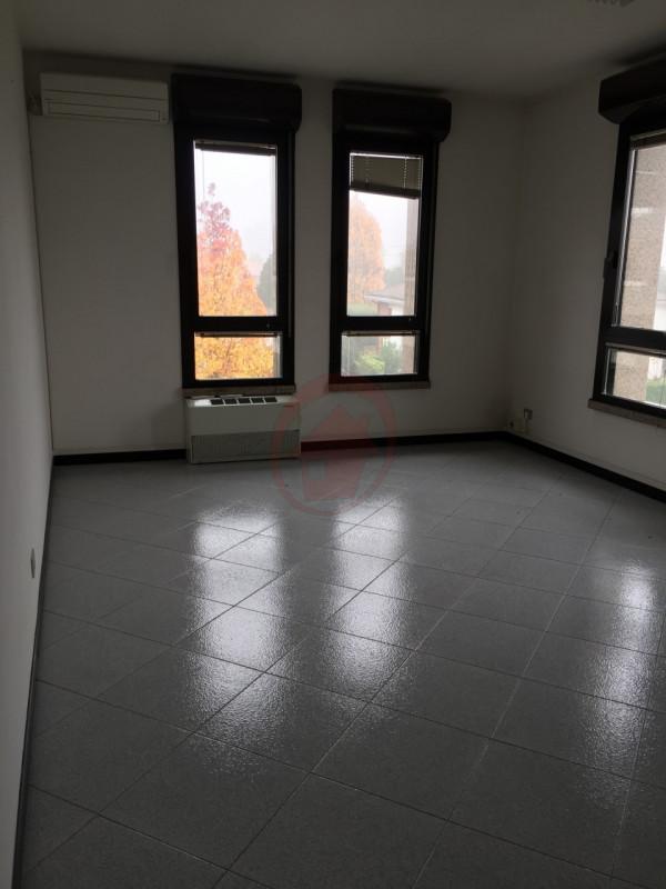 STRA' UFFICI IN LOCAZIONE - https://images.gestionaleimmobiliare.it/foto/annunci/110527/148870/800x800/006__img_4083_wmk_0.jpg