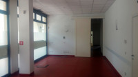 Immobile così suddiviso: mq 300 ca. di show-room al piano terra e mq 275 ca. di deposito/magazzino a