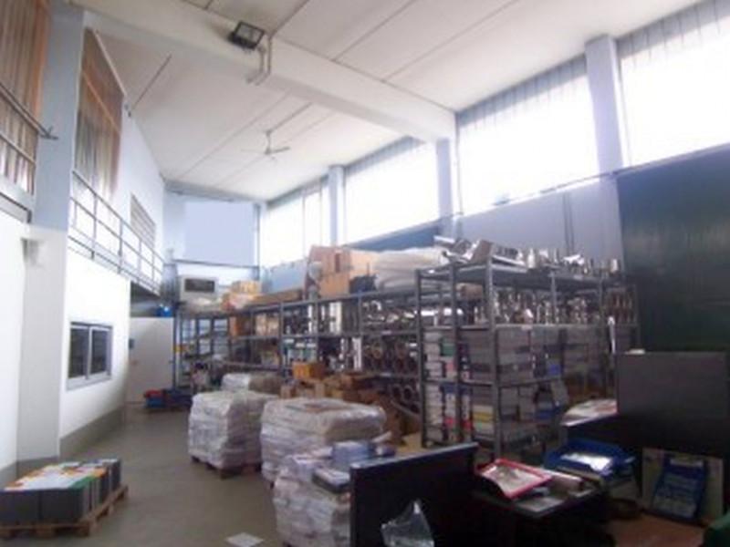 Capannone in vendita a Settala, 4 locali, prezzo € 670.000 | CambioCasa.it
