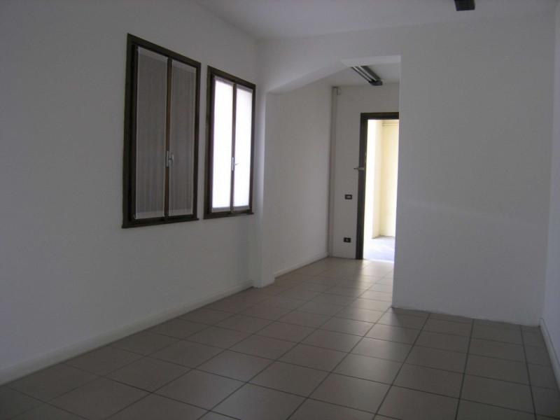Ufficio / Studio in affitto a Camposampiero, 9999 locali, zona Località: Camposampiero - Centro, prezzo € 250   CambioCasa.it