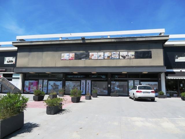Negozio / Locale in vendita a Appignano, 4 locali, zona Località: Appignano - Centro, prezzo € 1.599.000 | CambioCasa.it