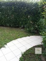 Este appartamento con giardino