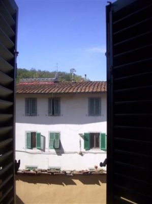 vendesi a Montevarchi, nella via Roma,  bilocale.