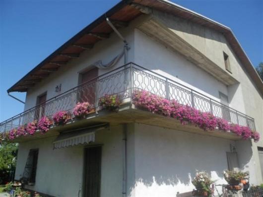 Vendesi a Laterina villa