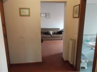 Vendiamo a S Giovanni V.no appartamento al piano primo con bel terrazzo