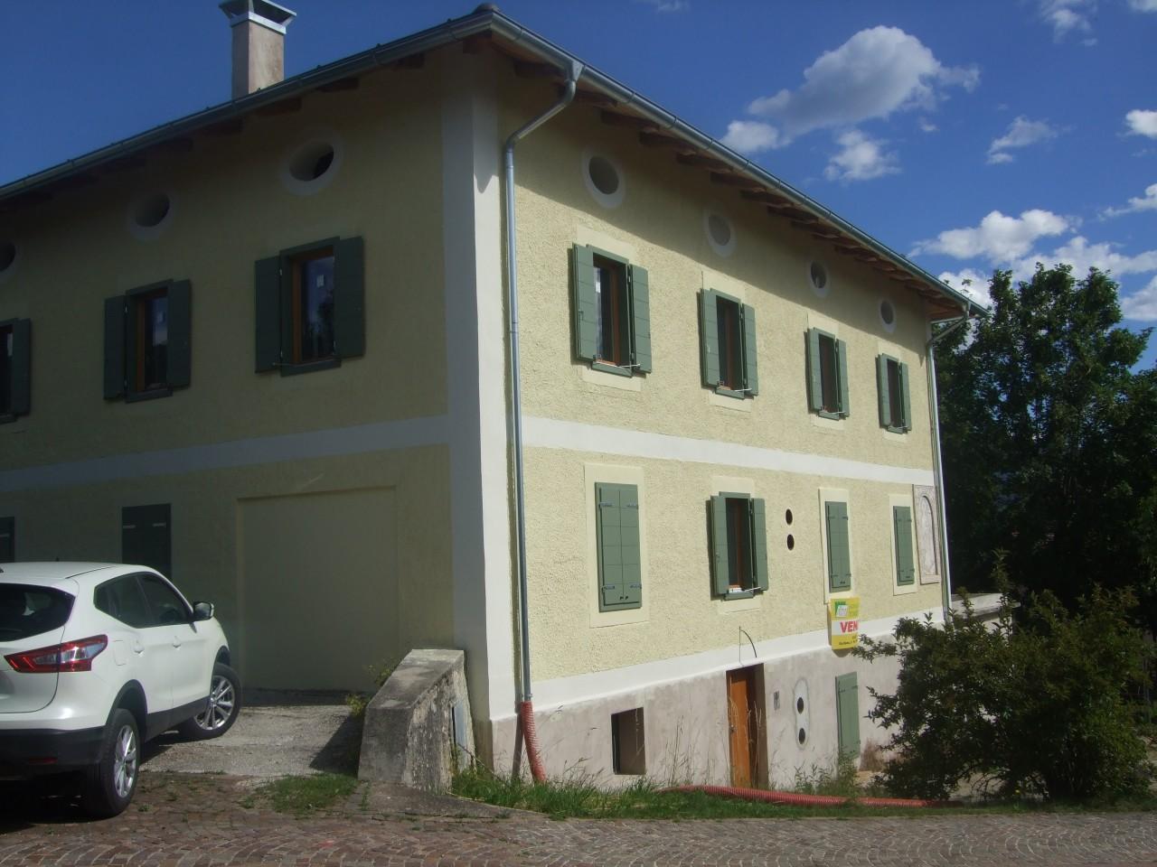 Sfruz - Appartamento nuovo in edificio storico.