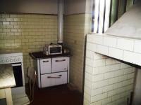 vendesi in frazione stabile composto da due appartamenti e fondi