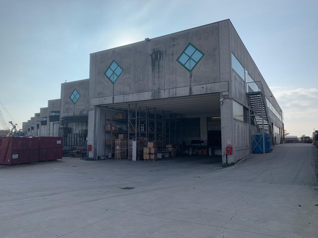 Speciale capannone per logistica