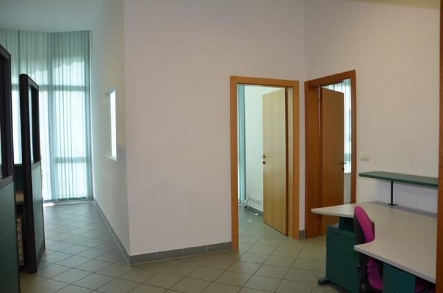 Ufficio / Studio in affitto a Merano, 9999 locali, prezzo € 1.200 | CambioCasa.it