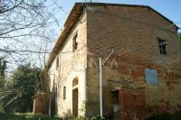 Antica Casa Colonica con fienile da ristrutturare