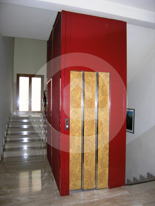 Ufficio / Studio in affitto a Camposampiero, 9999 locali, zona Località: Camposampiero - Centro, prezzo € 650   CambioCasa.it