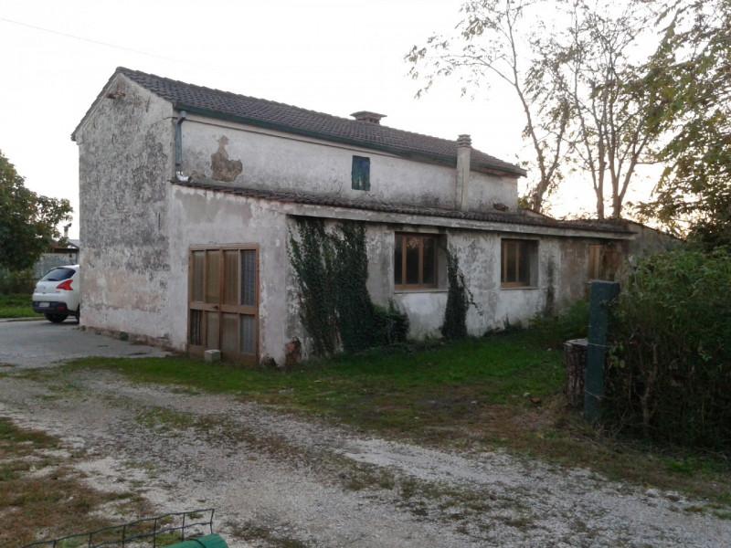 Rustico / Casale in vendita a Granze, 9999 locali, prezzo € 35.000 | CambioCasa.it