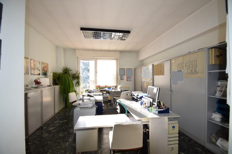 Negozio / Locale in affitto a Merano, 9999 locali, zona Località: Merano - Centro, prezzo € 1.200 | CambioCasa.it