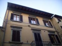 vendesi appartamento in storico  palazzo del centro,