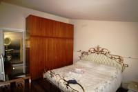 vendesi a Laterina, centro storico,bell'appartamento ristrutturato,