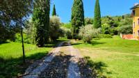 Vendesi rustico con box cavalli ed ampio terreno a Sega di Cavaion Veronese (VR)