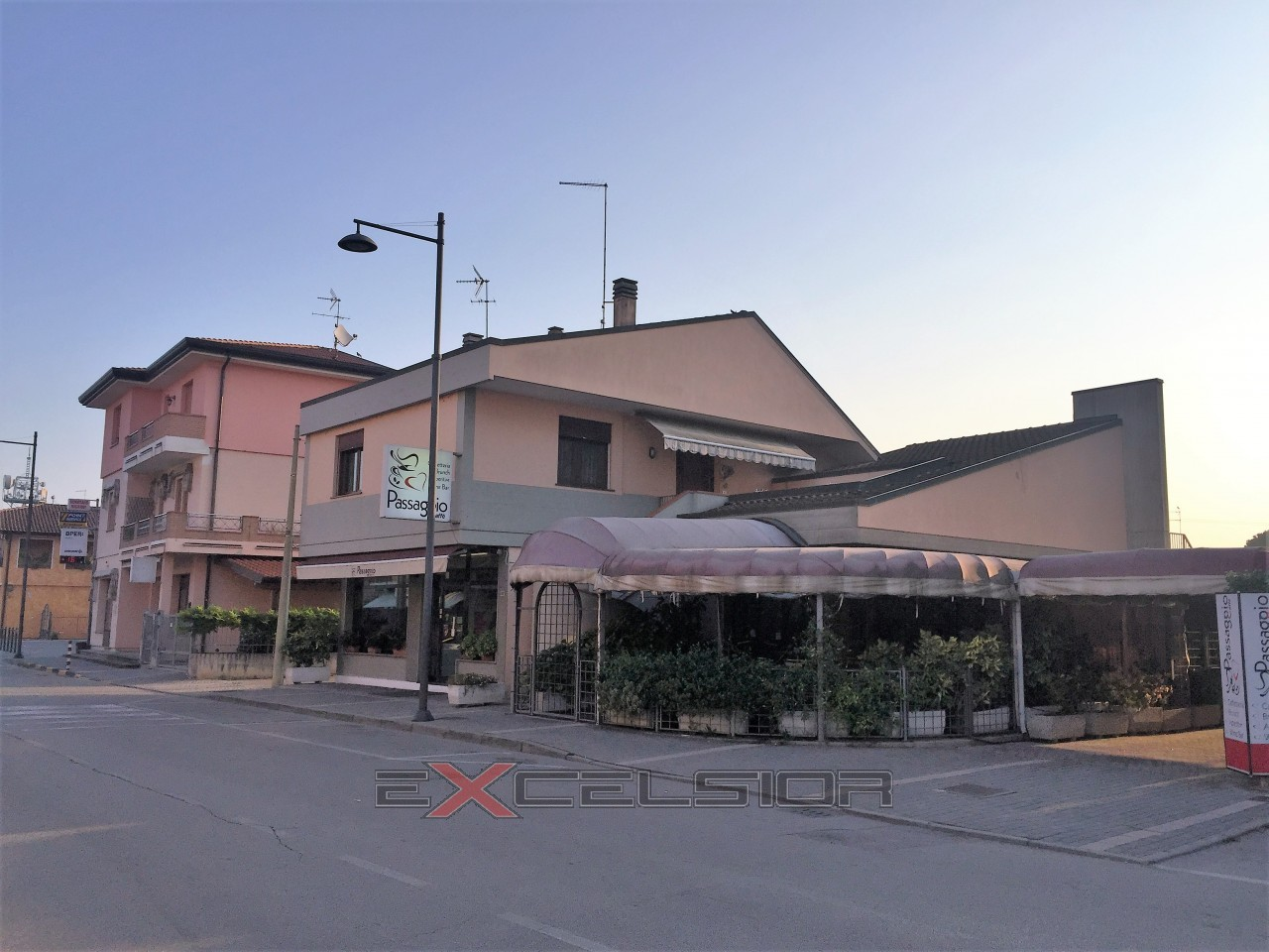 Porto Viro centro, residenziale e bar
