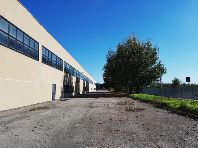 Capannone in vendita a Crevalcore, 4 locali, zona Località: Crevalcore, Trattative riservate   CambioCasa.it