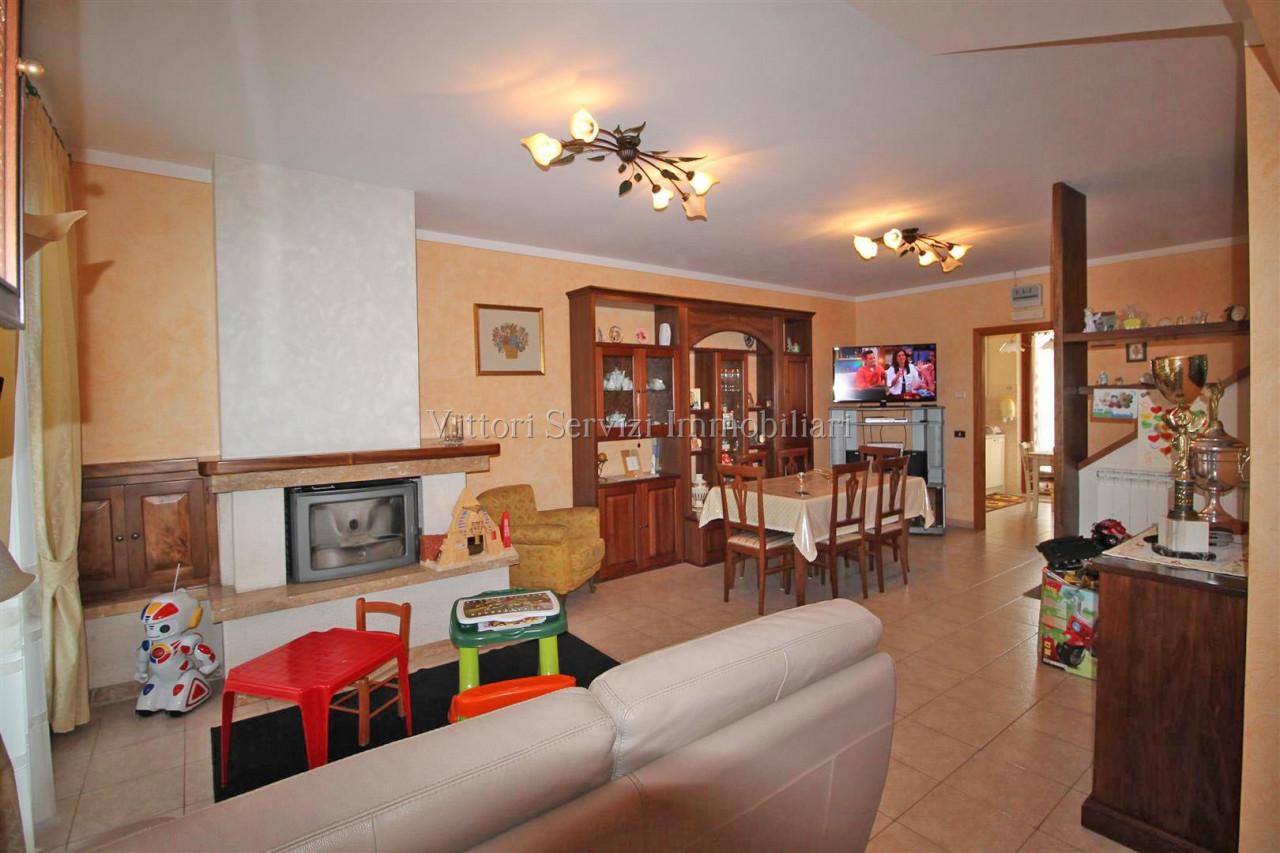 Abitazione indipendente su due livelli a Torrita di Siena (SI)