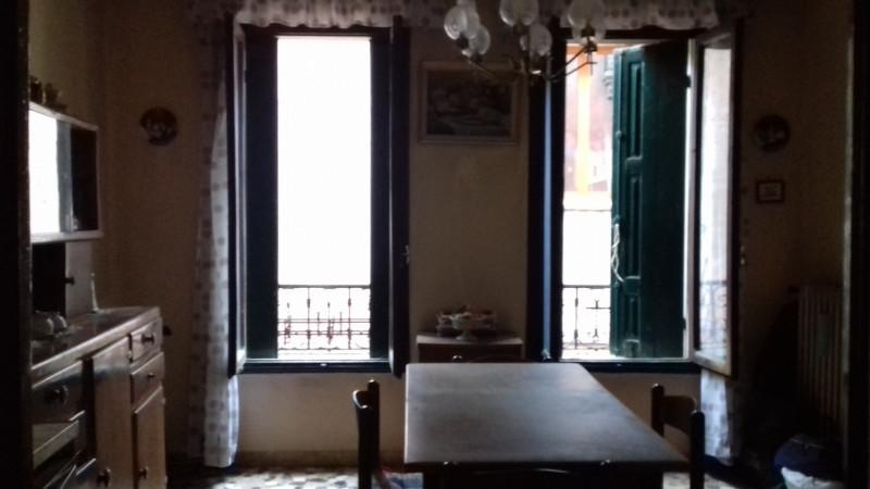 Villa in vendita a Venezia, 7 locali, zona Località: Santa Croce, prezzo € 460.000 | CambioCasa.it