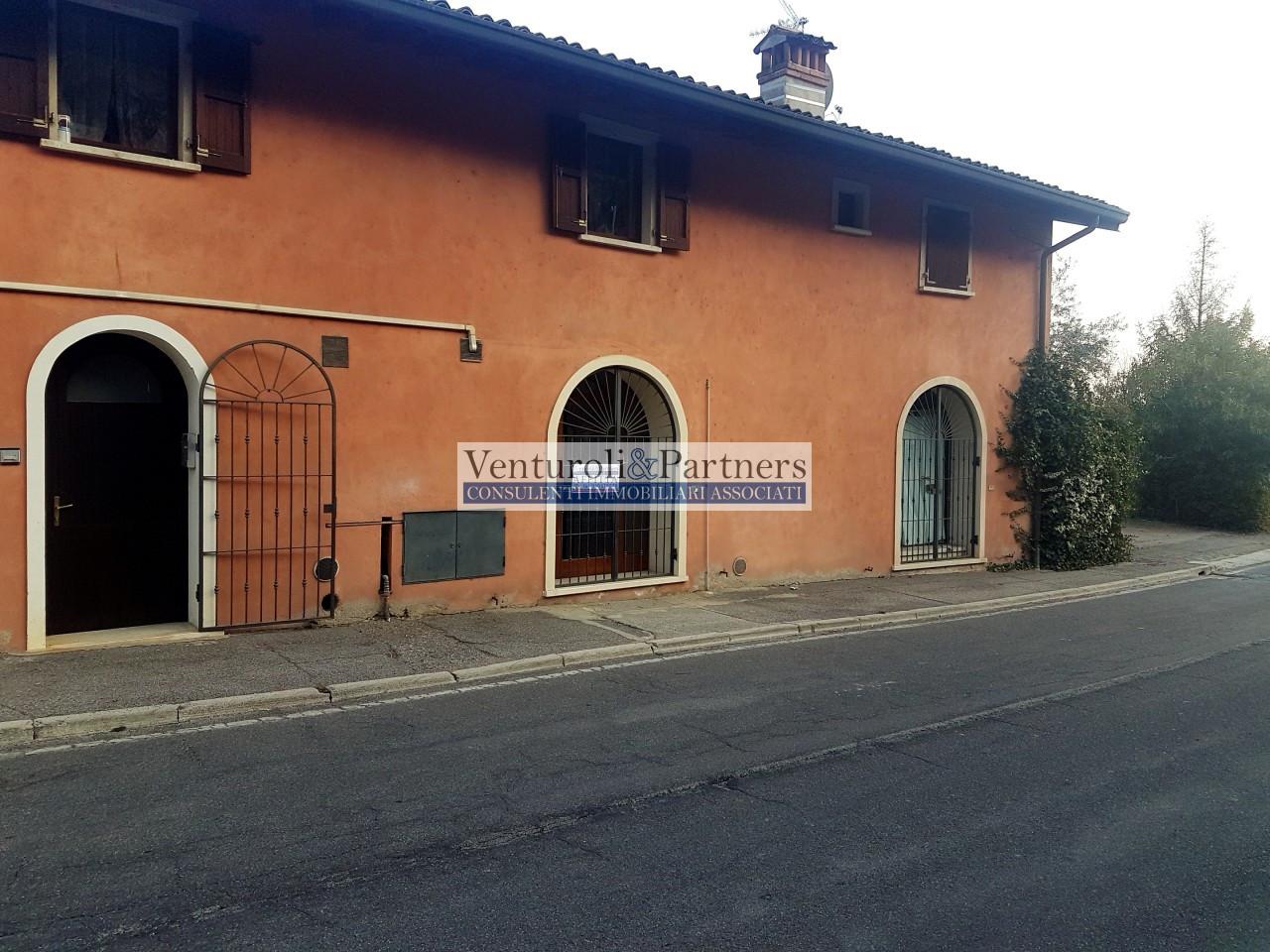 Negozio in affitto a Puegnago sul Garda
