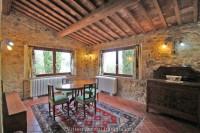 Villa di campagna in stile toscano a Montepulciano (SI)