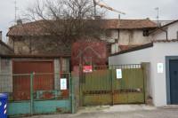 APPARTAMENTI da ristrutturare a Villa Vicentina