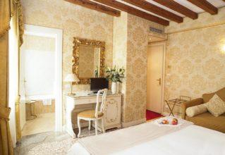 Albergo in vendita a Venezia, 9999 locali, zona Località: Castello, prezzo € 1.430.000 | CambioCasa.it