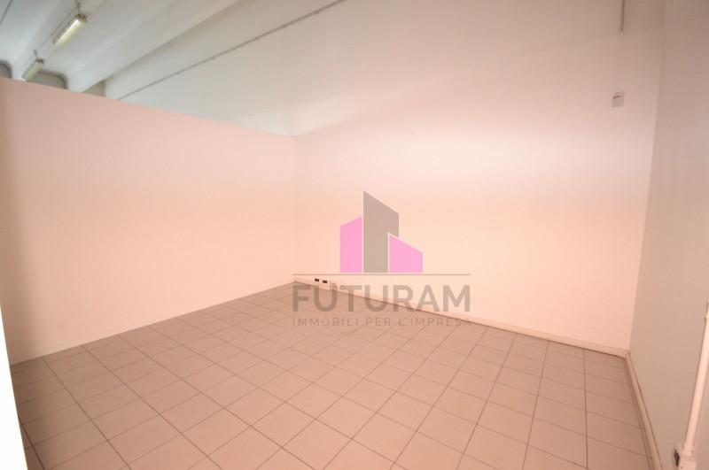 LABORATORIO VETRINATO Vicenza Ovest - A REDDITO - https://images.gestionaleimmobiliare.it/foto/annunci/170808/1618014/800x800/010__9a_risultato.jpg
