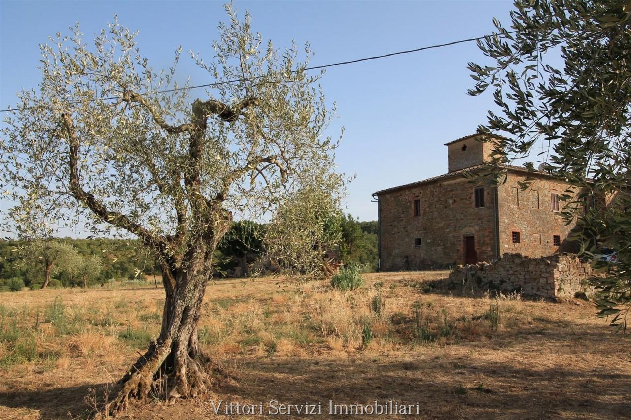 Casale in stile leopoldino in Val di Chiana (SI)