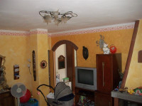 vendesi a Bucine, appartamento con ingresso indipendente