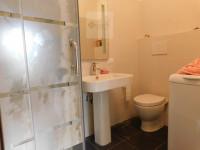 BATTAGLIA TERME: Appartamento al primo piano ristrutturato con le 3 camere e 2 bagni.