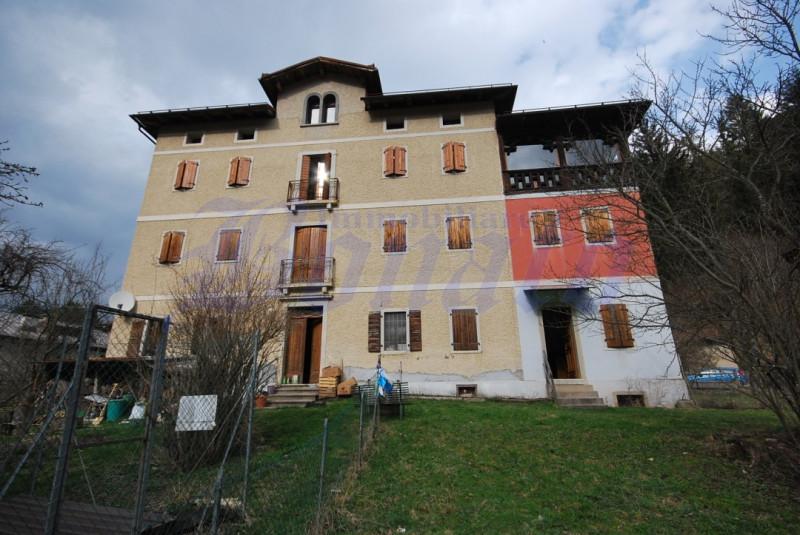 Appartamento in vendita a Vigo di Cadore, 4 locali, prezzo € 60.000   CambioCasa.it