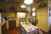 Casale ristrutturato in stile toscano in Val di Chiana (SI)