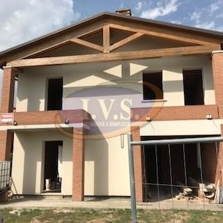 Villa Bifamiliare in vendita a Lozzo Atestino, 4 locali, zona Zona: Lanzetta, prezzo € 100.000 | CambioCasa.it