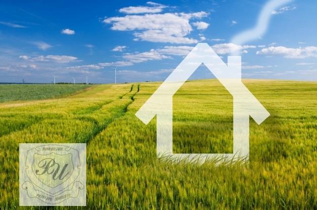 Vendesi terreno edificabile