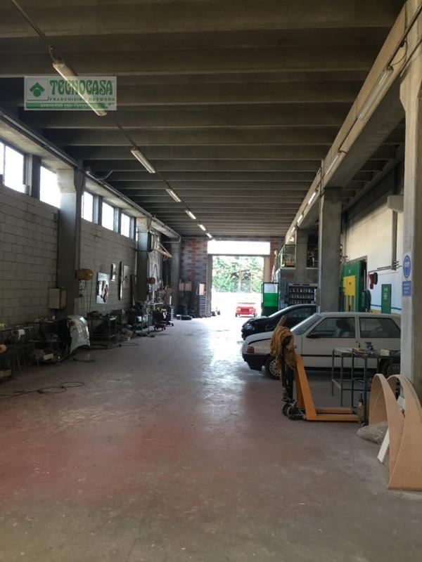 Capannone in vendita a Sommacampagna, 9999 locali, zona Zona: Caselle, prezzo € 215.000 | CambioCasa.it