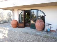 Vendiamo a Castelfranco villetta in posizione panoramica.