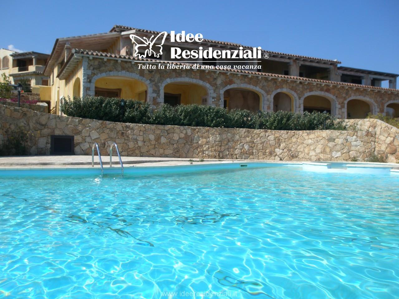 Olbia -Pittulongu - Vista mare - trilocale in residence con piscina