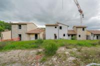 """Porzione di lottizzazione """"Borgo Lecchi"""" - 3 lotti edificati"""
