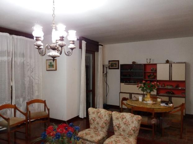 Appartamento in vendita a Padova, 4 locali, zona Località: Mortise, prezzo € 135.000 | CambioCasa.it