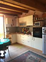 -Ampio monolocale soppalcato composto da ingresso, soggiorno con cucina a vista,scala in lego che po