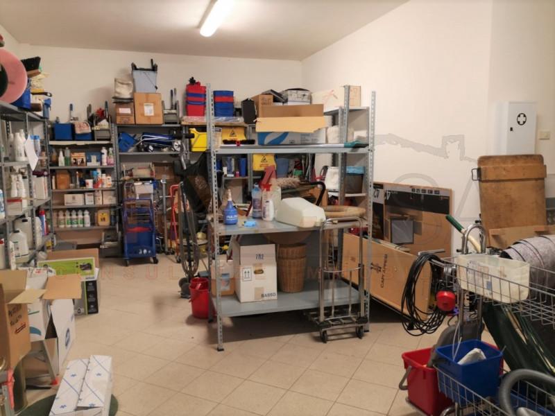 Negozio / Locale in vendita a Veggiano, 9999 locali, zona Località: Veggiano, prezzo € 85.000 | CambioCasa.it