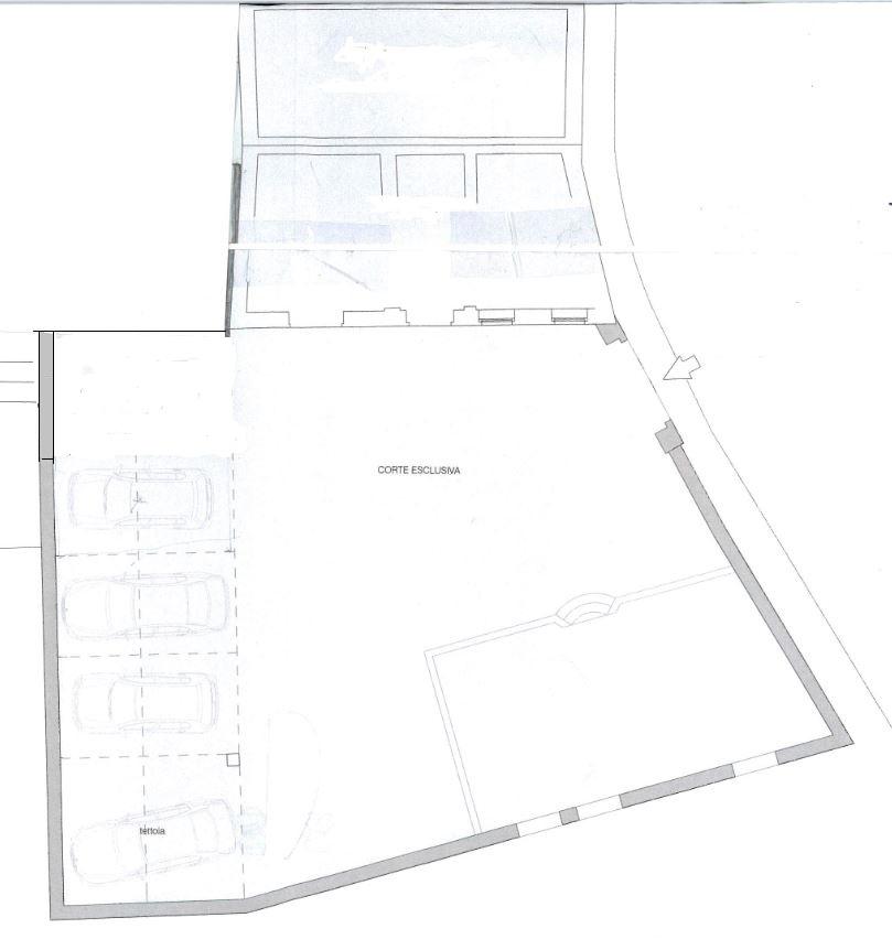 Porzione indipendente di palazzo storico da ristrutturare con giardino privato