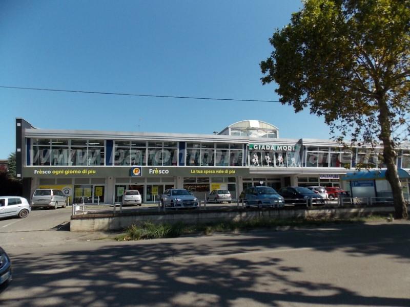 Negozio / Locale in vendita a Vignola, 1 locali, prezzo € 1.200.000 | CambioCasa.it